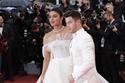 بريانكا تشوبرا تتألق في مهرجان كان بإطلالة عروس للمصمم جورج حبيقة