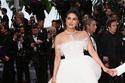 بريانكا تشوبرا تتألق في مهرجان كان بفستان عروس للمصمم جورج حبيقة