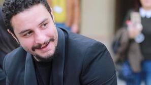 اتهامات خطيرة بين أحمد الفيشاوي وطليقته وابنته تحرجه بنشر محادثاتهما!