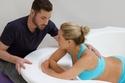 دعم الزوج أثناء الولادة في الماء