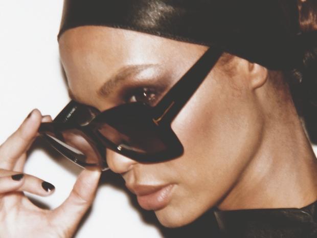 Tom Ford ترافقكم في السفر هذا الخريف بهذه النظارات الأنيقة