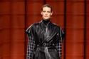 إطلالة أنيقة مع فيست جلد من مجموعة  Hermès لخريف 2021