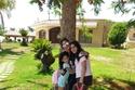 زوجة أحمد الفيشاوي وابنتيها