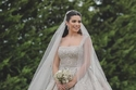 شاهدي ملكة جمال لبنان تخطف الأنظار بفستان زفافها
