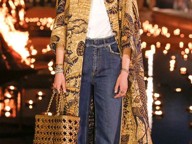 أزياء راقية ومحتشمة من أهم العلامات الفاخرة حول العالم