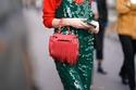 طرق مختلفة لارتداء الفستان الترتر بشكل عصري ومميز