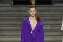 مجموعة فيكتوريا بيكهام في أسبوع الموضة في لندن لربيع وصيف 2020