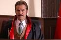 """لوك إنجين ألتان دوزيتان في مسلسله الجديد """"الرصاصة"""""""