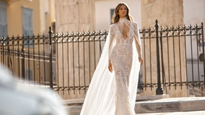 فساتين زفاف عصرية لعروس العام الجديد