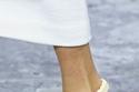 الأحذية المزينة بسلاسل فضية من Off White