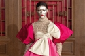 فستان زهري من تصميم دار فالنتينو