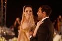 عارضة أزياء تونسية تحتفل بزفافها بفستان من الذهب