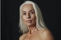 ستينية تتمتع ببشرة عشرينية تكشف سر حيويتها وشبابها الدائم: إليكم الصور