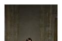 إطلالة عصرية بكارديجان أنيق وبنطلون جينز من مجموعة Valentino Pre Fall