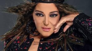 أحلام بفستان أزرق ملكي في مواجهة ستايل سميرة سعيد الغجري: من الأجمل؟