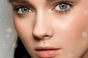 مكياج ناعم يعتمد على لون العيون