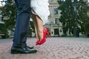 أفكار منوّعة بالأحمر لعروس عيد الفالنتاين