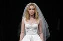 فستان زفاف من مجموعة نعيم خان 2017