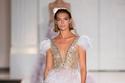 فستان زفاف بتفاصيل من الريش رالف وروسو خريف 2017