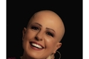 الإعلامية  لينا شاكر تدعم مرضى السرطان