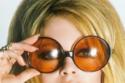 الفرنسية بريجيت باردوت في عام 1968 بنظارة ذات عدسات برتقالية وإطار ضخم