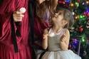 نور فتاح أوغلو مع ابنتها ليلة رأس السنة