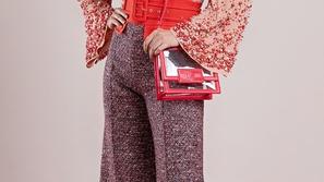 ملابس 2019: موديلات بناطيل ملوّنة واسعة لإطلالة كلها حيوية