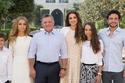 الملكة رانيا والملك عبد الله بصحة أبنائهما