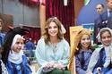 الملكة رانيا بصحبة عدد من الأطفال