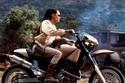 6 نجمات يقدن دراجات نارية أبرزهن أنجلينا جولي