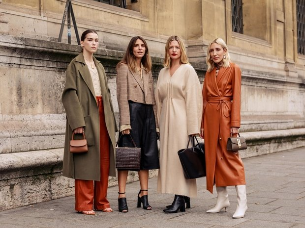 نسقي خزانة ملابسك  للخريف على طريقة Street Style في أسابيع الموضة