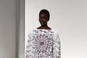 فستان أبيض بنقشات ملونة من Givenchy