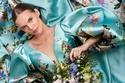 فستان مطبوع بنقوش الورد من Romona Keveza خريف وشتاء 2022