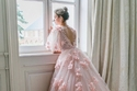 موضة فساتين زفاف وردي لصيف 2021 مطرز بالورود