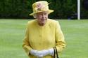 في عيدها الـ 92: أزياء الملكة إليزابيث تكشف ولعها بـ هذين اللونين فقط