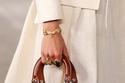 حقيبة Lady Dior من الجلد باللون البني
