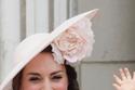 قبعة الدوقة كيت ميدلتون المزينة بالورد