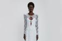 فستان زفاف مزين بالدانتيل من Christopher Kane