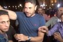 تزاحم حول أحمد عز في عزاء فاروق الفيشاوي