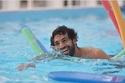 صور محمد صلاح من عطلته في جزر المالديف تحدث ضجة.. وصديقه يمازحه بعفوية