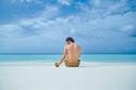 محمد صلاح يسترخي على الشاطئ في إحدى جزر المالديف