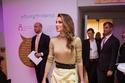 2 التنورة على طريقة الملكة رانيا