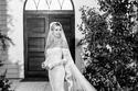 صور جديدة من زفاف جاستن بيبر تبين روعة فستان عروسه