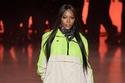 عارضة الأزياء ناعومي كامبل في  عرض Tommy Hilfiger