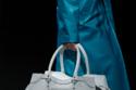 حقيبة Balenciaga's L Neo classic leather duffel باللون الأبيض