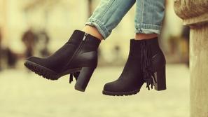 8 أحذية مناسبة لارتدائها مع الجينز الضيق skinny jeans