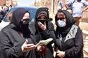 دلال عبد العزيز تقرأ القرآن في جنازة شويكار