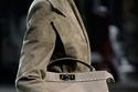 حقيبة يد أنيقة من مجموعة Fendi لخريف 2021