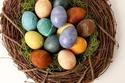 بهذه الطرق الطبيعية تحصلين على البيض الملوّن لشم النسيم