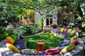 ديكورات وتصاميم جلسات خارجية مميزة للمنازل بألوان الصيف الصارخة